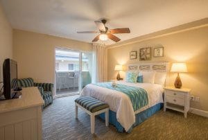 TheSouthernCaliforniaBeachClub_1Bedroom_livingroom_20171
